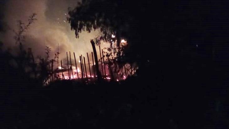 Santa Ana: golpeó a su pareja embarazada y prendió fuego la casa con ella adentro