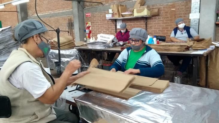 Puerto Rico: el Ministerio de Acción Cooperativa visitó la planta de producción de una empresa recuperada por sus trabajadores