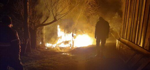 Una familia perdió todo en un incendio en Aristóbulo del Valle
