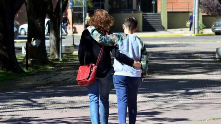 Adopción en Misiones: buscan familia para un adolescente de 14 años
