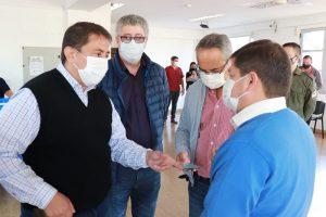 """Coronavirus: Cesino recomendó a la población vacunarse """"porque todas las vacunas que llegan a la provincia tienen un alto porcentaje de protección"""""""