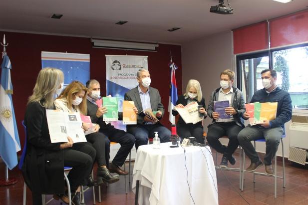 Se presentaron los cuadernillos #GuacuraríConVos que aportarán al enriquecimiento de la labor de los docentes misioneros