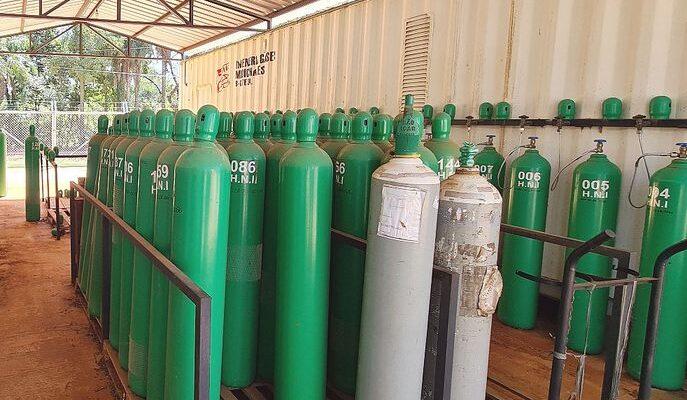 Ante la falta de insumos en Paraguay, el ministro de Salud solicitó a Brasil que libere más oxígeno para exportación