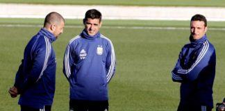 Lionel Scaloni patearía el tablero ante Uruguay: los posibles cinco cambios