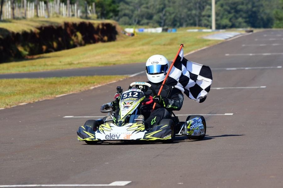 Automovilismo: Oberá brilló con el regreso del Misionero de Karting