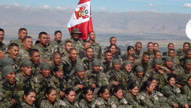 El nuevo presidente de Perú anunció que implementará el Servicio Militar para jóvenes que no estudien ni trabajen