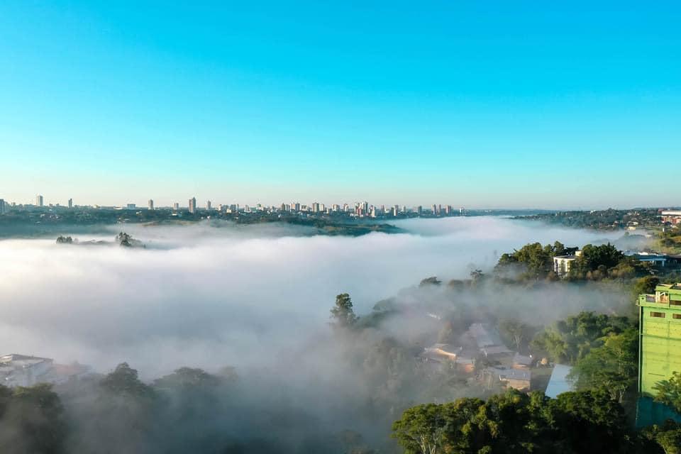 Galería de imágenes | Mirá las impactantes fotos del Puente de la Amistad y el Paraná envueltos en la bruma cerca de las Cataratas del Iguazú