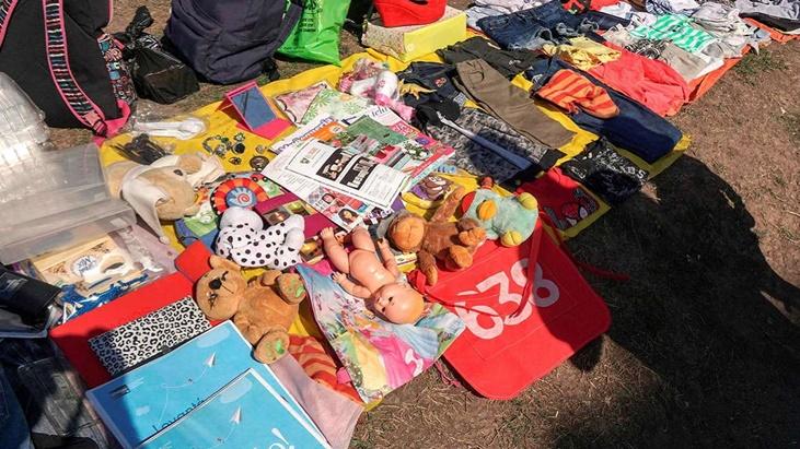 """Regresó el """"trueque"""" a Buenos Aires   Cambian ropa, cosméticos y trabajo por comida"""