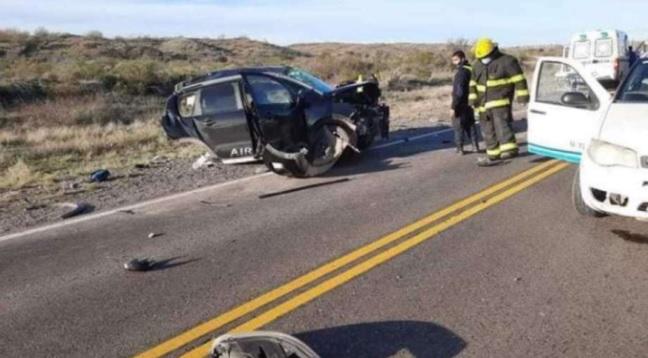 Tragedia en Río Negro: un auto chocó con un camión y murieron tres nenes