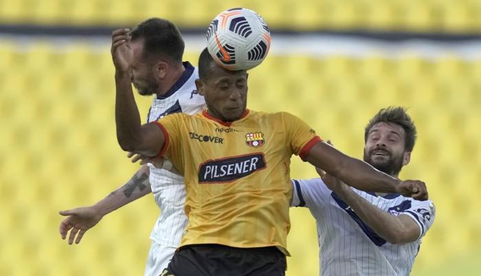 Copa Libertadores: Vélez quedó eliminado ante Barcelona de Ecuador tras perder por 3 a 1