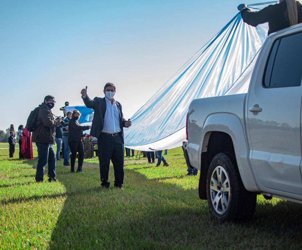 Desplegaron la bandera argentina más larga de Misiones en Eldorado