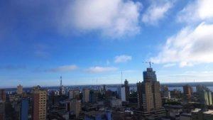 Domingo cálido y con cielo parcialmente nublado en Misiones