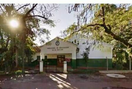 La Escuela 165 de Eldorado cumplió 93 años y un ex alumno realizó un video en su homenaje