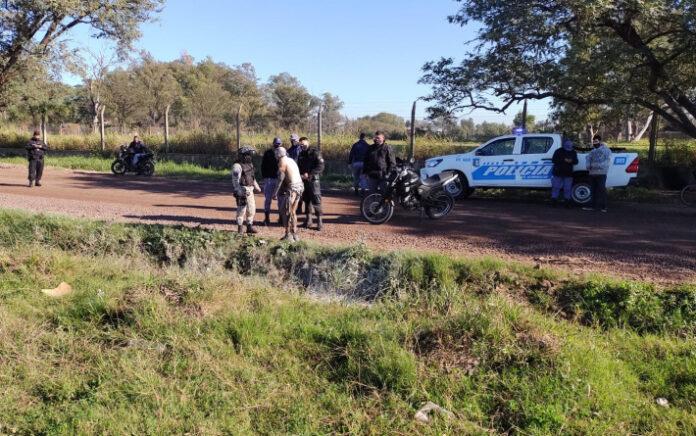 Resistencia | Un hombre se roció con combustible y se prendió fuego en el acceso al aeropuerto: se arrojó a una zanja y sobrevivió