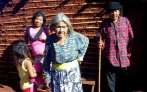 Mujeres de la tierra guaraní: la historia de la abuela Victoria Almeida de Tekoá Jejy