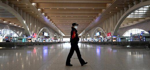 """Alerta mundial: China aísla a millones de personas por nuevo brote en Wuhan, donde """"nació"""" el coronavirus"""
