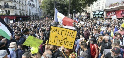 Siguen las protestas en Francia contra el certificado de vacunación