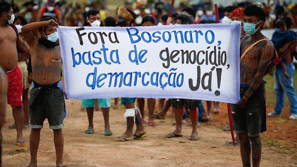 Denunciaron a Jair Bolsonaro ante La Haya