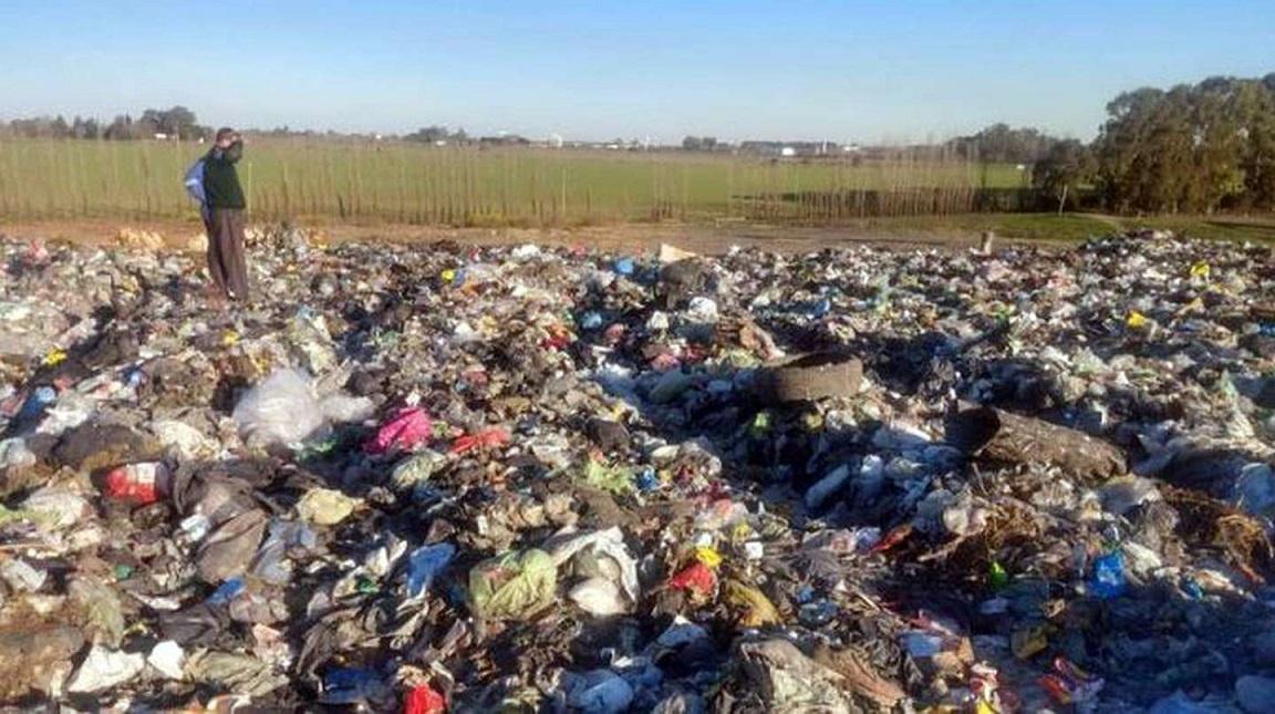 Horror en Buenos Aires: tiraron a una beba recién nacida a la basura y la mató el camión de residuos
