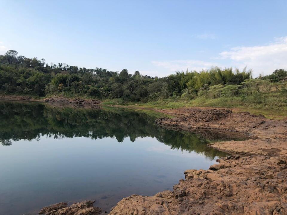 Veja as fotos e vídeos da histórica calha do rio Paraná em Monte Carlo: onde antes havia água, hoje há pedras