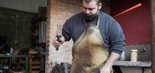 """""""La cuchillería es mi pasión y puedo vivir de mi trabajo"""", sostuvo Andrés Mayol, elaborador de cuchillos artesanales"""