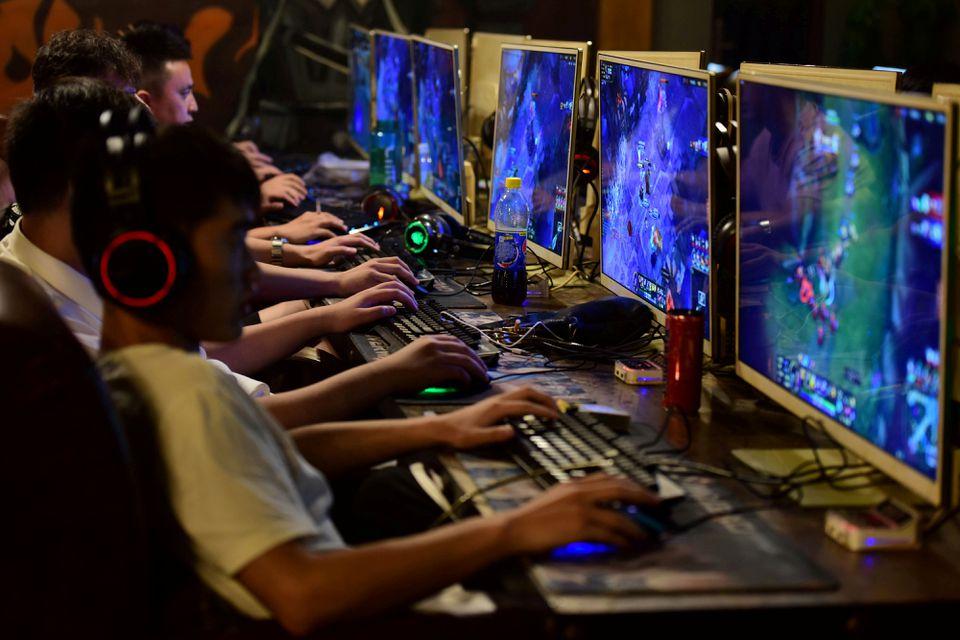 China limita el tiempo que los menores pueden jugar a los videojuegos a 3 horas semanales