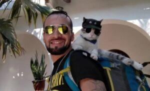 """Entredichos en Paraguay por la muerte del """"Gato Mochilero"""": ¿Lo envenenaron o fue atacado por perros?"""