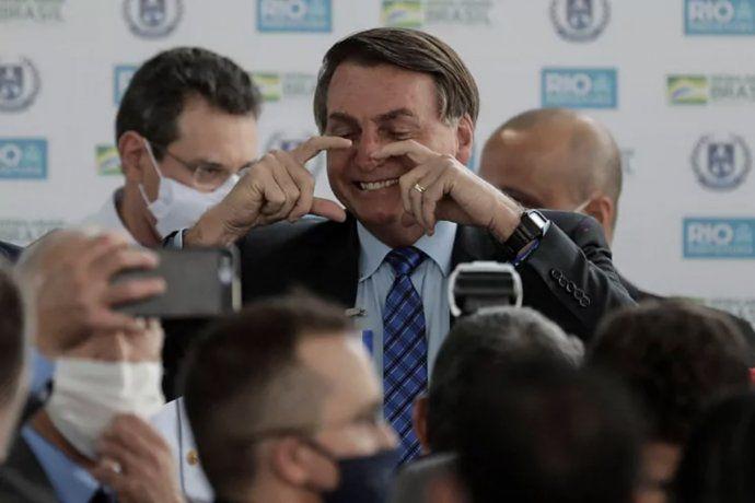Jair Bolsonaro ya quiere eliminar el barbijo en Brasil