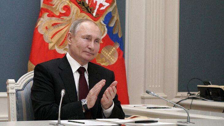 Aislaron a Putin tras detectarse casos de Covid-19 en su entorno