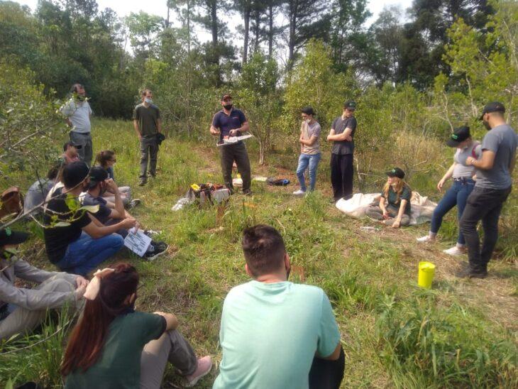 Se realizó una jornada de yerba mate con estudiantes de la EFA de Dos de Mayo
