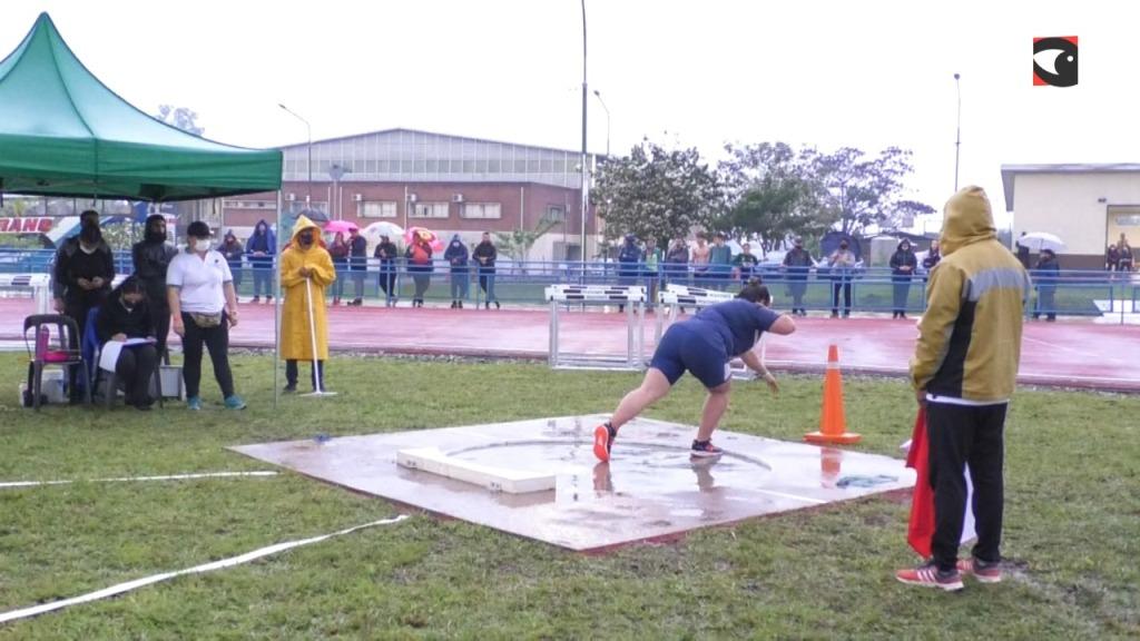 Posadas: bajo la torrencial lluvia, continuó el Campeonato Nacional de Atletismo U18 en el CEPARD
