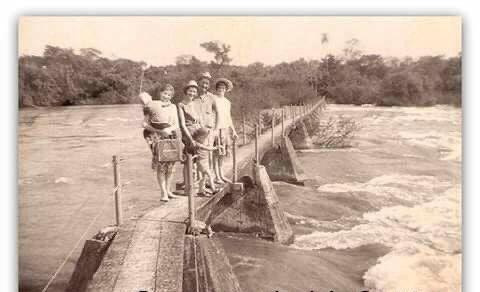 Un viaje al pasado: viralizaron imágenes antiguas de las Cataratas del Iguazú