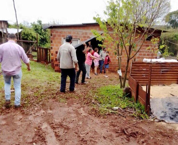 Eldorado: la Secretaría de Acción Social asistió a familias afectadas por el temporal