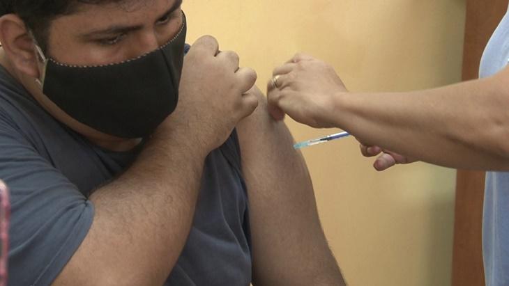 vacunacion covid-19 en la plaza san martin