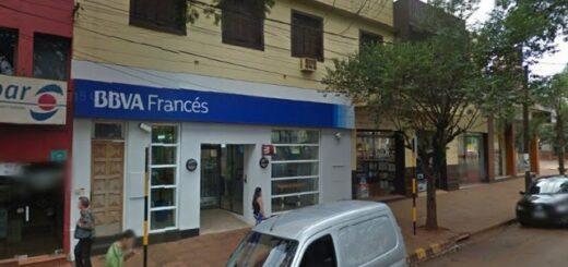 Con un cuchillo, un hombre rompió la puerta de ingreso e intentó robar un banco en Oberá