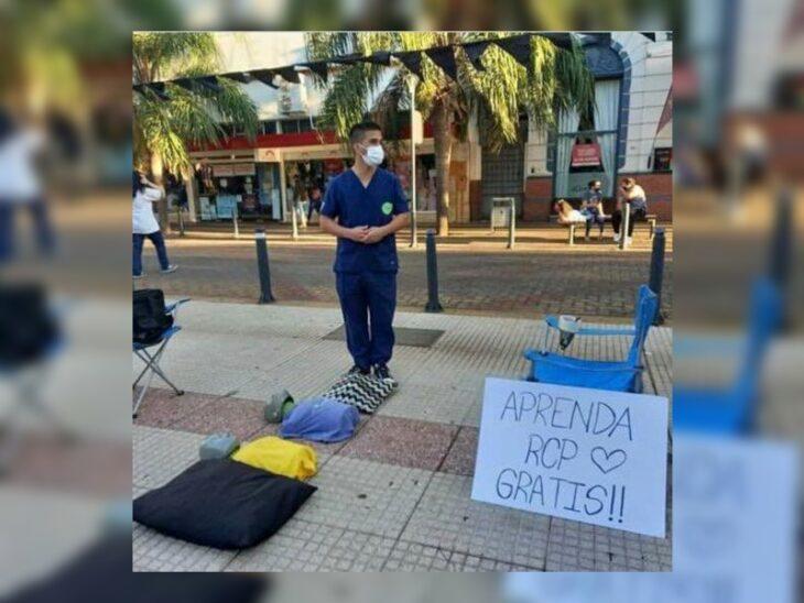 Posadas | Quién es Federico Brítez, el enfermero que enseña gratis las maniobras de RCP en la Costanera y el centro de la ciudad