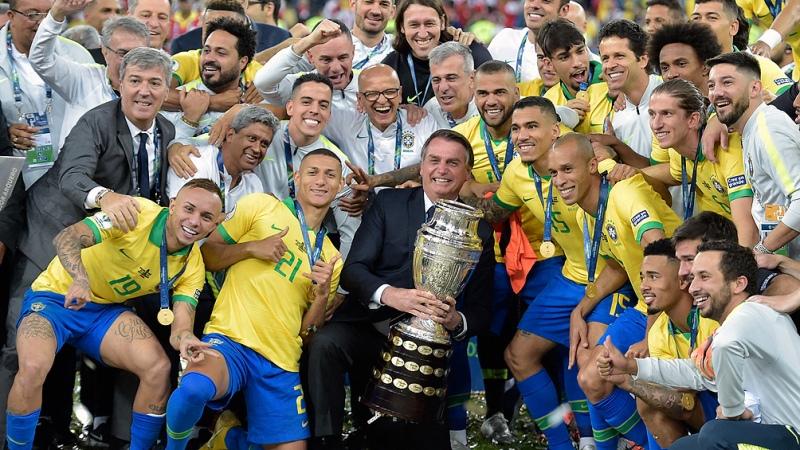 Bolsonaro en medio del escándalo