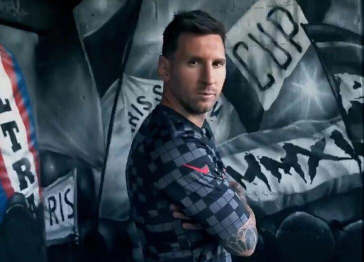 Lionel Messi presentó la nueva camiseta del PSG junto a sus compañeros