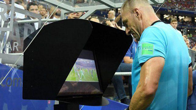 VAR llegará al fútbol argentino