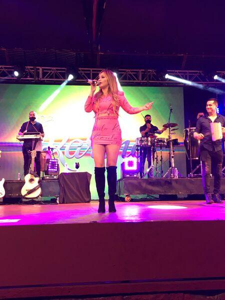 Karina se presentó en la Fiesta Nacional del Inmigrante
