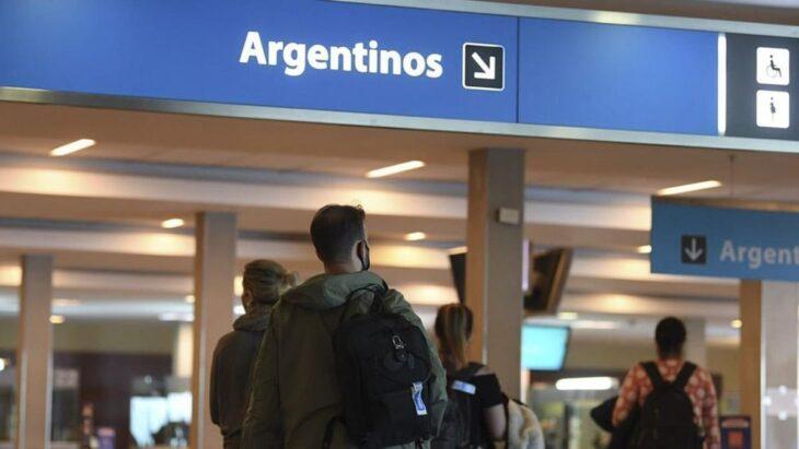 Desde el 19 de octubre levantan los cupos de pasajeros para ingresar al país  en avión