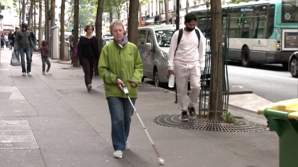 dispositivo electrónico para personas con discapacidad visual
