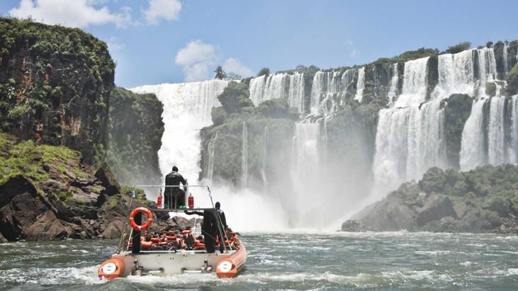 el Parque Nacional Iguazú recibirá visitantes hasta las 13