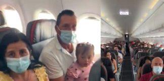 Quisieron bajar de un avión a una beba