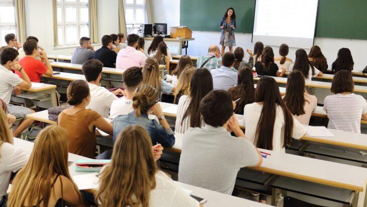 Presencialidad plena en las universidades